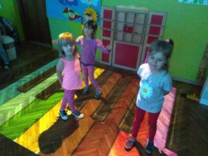 Przedszkolaki na magicznym dywanie!