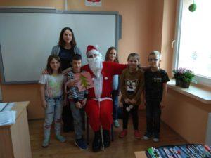 Mikołaj z wizytą w klasie I i II
