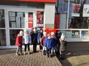 Przedszkolaki z wizytą na poczcie